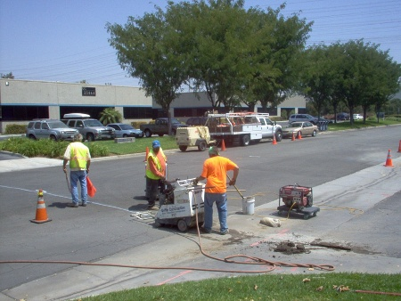 Making municipal FTTH deployments economic